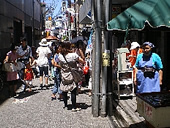 荻窪・教会通り商店街、動き始める! ―東日本巨大地震・義援金募集の開始―